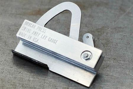 image: Boxcar swing away lay gauge